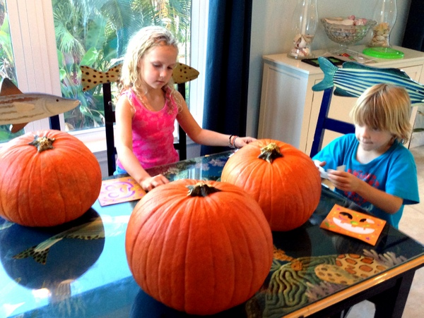 Pumpkin Decorating with Markers 1