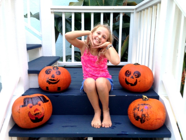 Pumpkin Decorating with Markers 7
