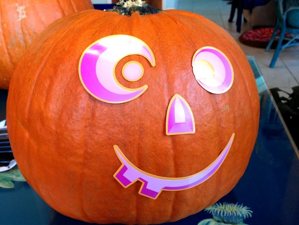 Pumpkin Decorating with Markers 2