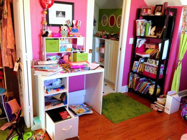 Desk-Bookshelf Before